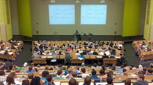 Országos hallgatói felmérést készít a távoktatásról a HÖOK